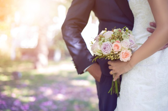 تفسير حلم رؤية أحد الأقارب يتزوج