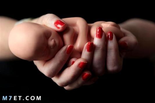 متى ينزل دم تثبيت الحمل