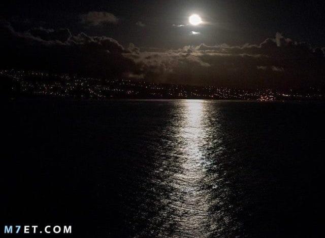 تفسير رؤية القمر في المنام للعزباء