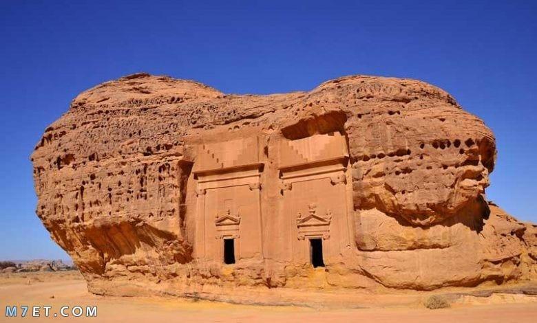 هل يوجد مقابر فرعونية في ارض طينية
