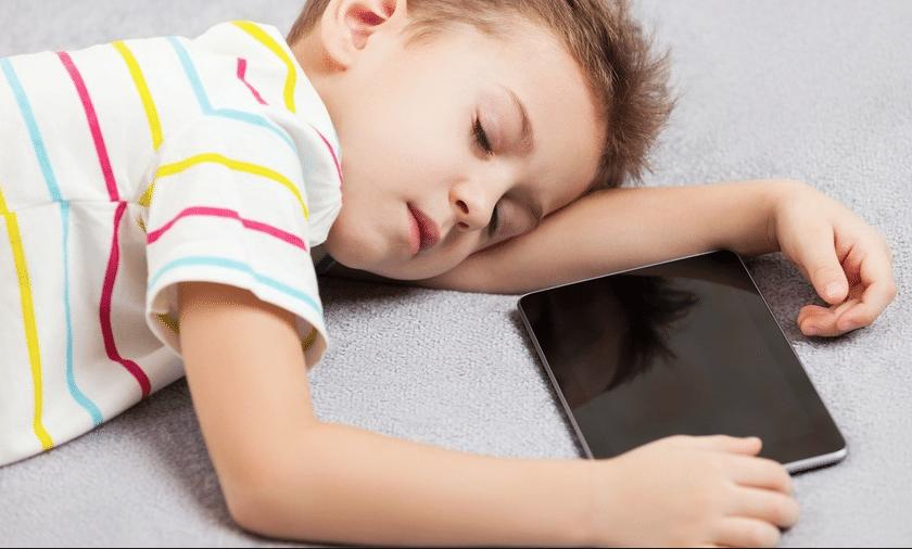 تأثير الالعاب والنوم