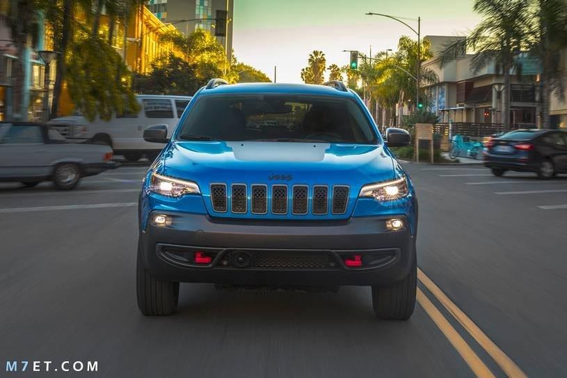 صور سيارة jeep Cherokee