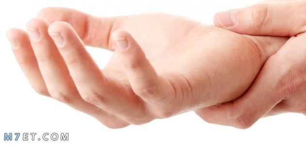 اسباب رجفة اليدين وطرق العلاج