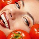 طرق تحضير ماسك الطماطم في المنزل لتفتيح البشرة من أول استخدام