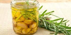 وصفات وفوائد زيت الزيتون للشعر الجاف