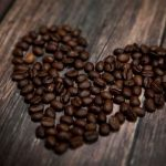 فوائد القهوة للشعر الجاف | 3 وصفات للحصول على شعر انسيابي