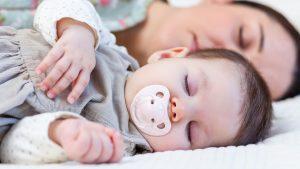 كيف انظم نوم طفلي وقت القيلولة