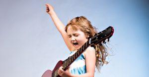 كيف تعلم طفلك الثقة بالنفس في 22 خطوة إيجابية 2021