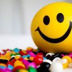 العلاج بالضحك وفوائده ملف كامل