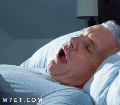 اسباب الشخير اثناء النوم