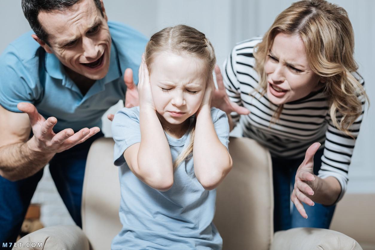 عصبية الأب والأم مع الأطفال 2021