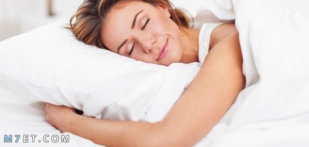 اضرار النوم على البطن للنساء