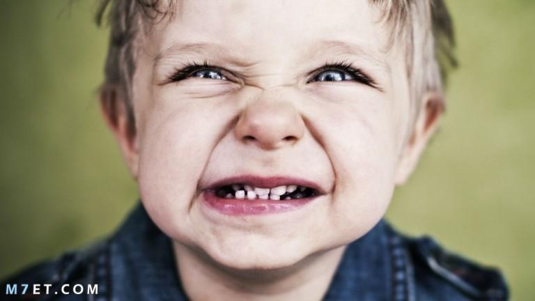 الجزّ على الأسنان عند الطفل 2021