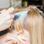 طريقة صبغ الشعر في البيت بالخطوات