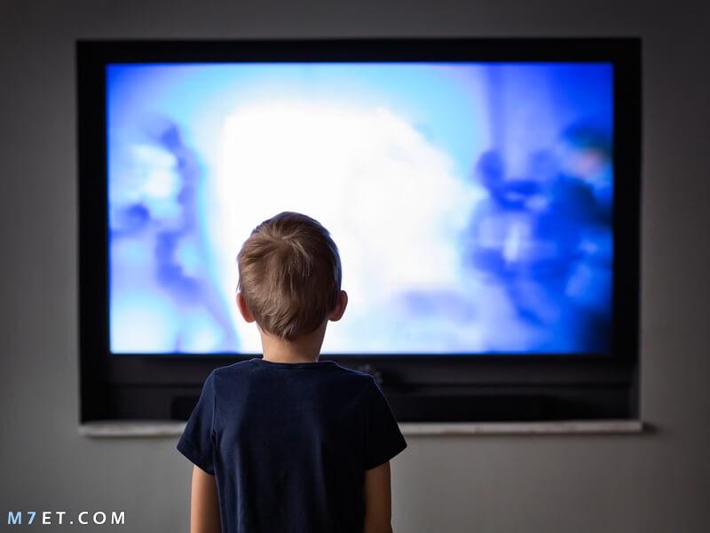 مشاهدة الطفل مشاهد العنف وأفلام الرعب في التلفزيون