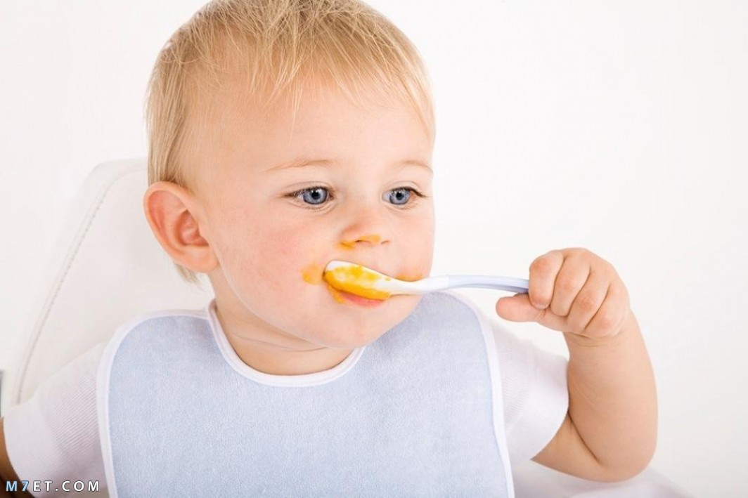 تغذية الرضيع في الشهر الرابع