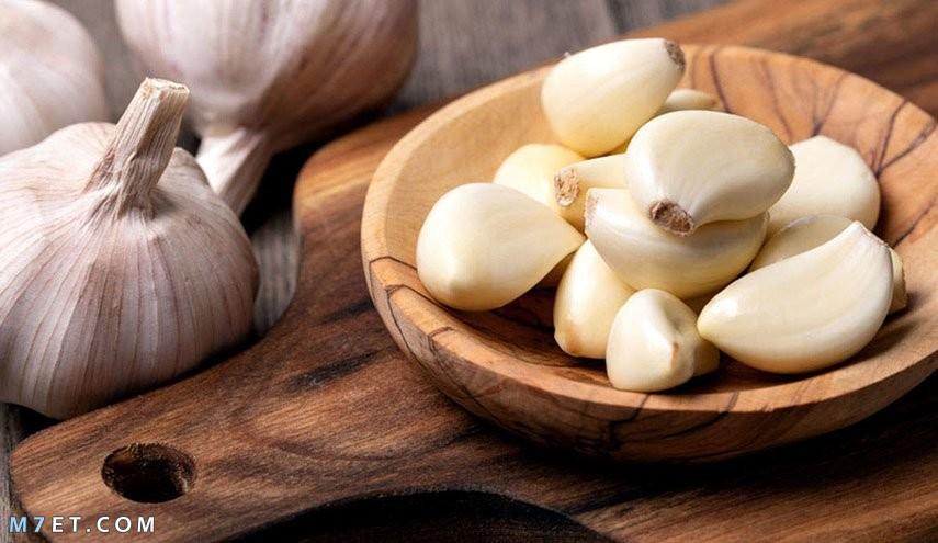 فوائد ماء البصل والثوم للشعر