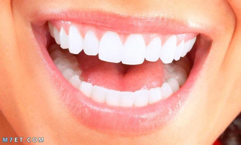 طرق لتبييض الاسنان باستخدام الطبيعة