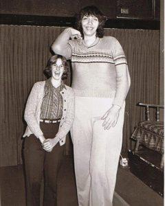 تعرف على اطول امرأة في العالم