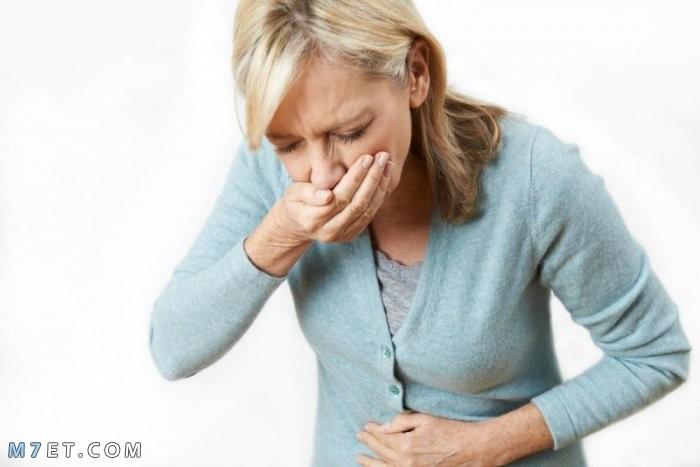 أعراض الخلعة في المعدة