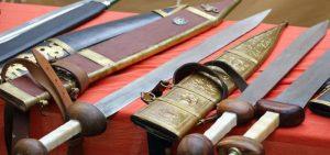 انواع السيوف العربية واليابانية وأشكالها وأهميتها قديمًا